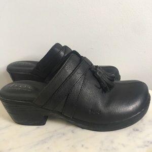 BOC Born Concepts Black Leather Slide Clogs Mules